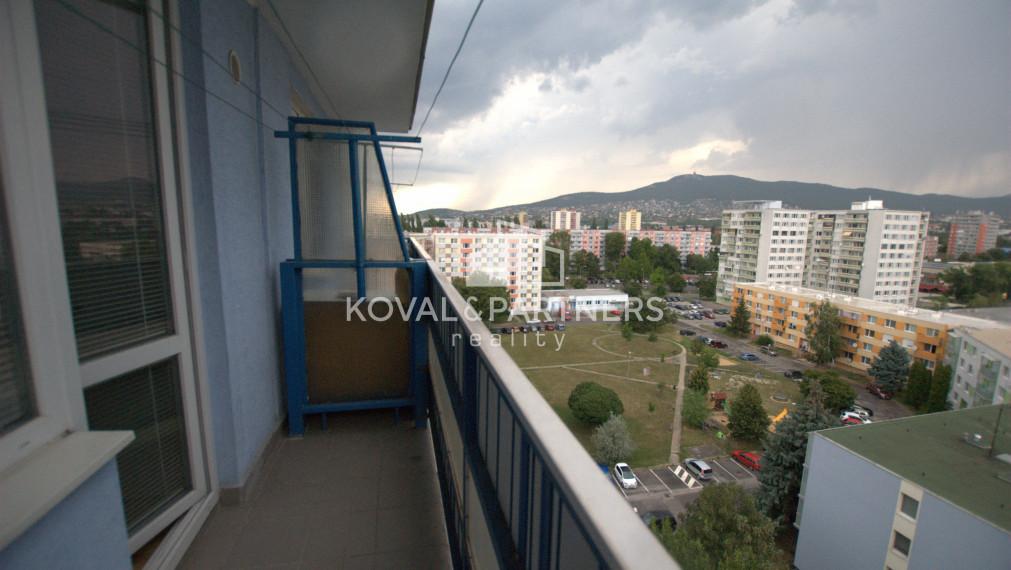Predané Veľkometrážny 1 izbový byt s balkónom Chrenová - Vihorlatská ul.
