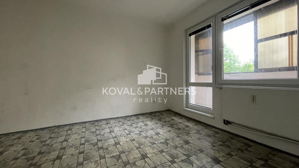 REZERVOVANÉ 1 izbový byt s balkónom v Nitre - Čermáň